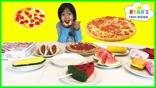getlinkyoutube.com-GUMMY FOOD VS REAL FOOD CHALLENGE taste test! Kid Fun giant candy review Ryan ToysReview