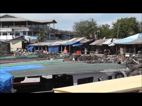 Some views of Manado Port & Pasar Jenki as we are about to board our boat for Bunaken