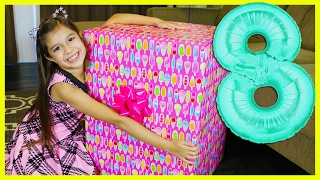 getlinkyoutube.com-EMILY'S 8th BIRTHDAY PRESENT OPENING - What I got for my Birthday - Giant Surprise Toys Family Fun