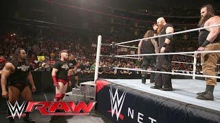 getlinkyoutube.com-Bray Wyatt helps Roman Reigns repel The League of Nations: Raw, April 11, 2016