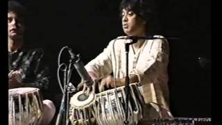 getlinkyoutube.com-Ustad Zakir Hussain Tabla duet