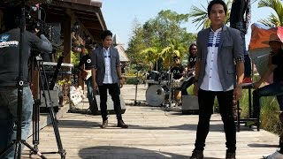 getlinkyoutube.com-รีสอร์ทแก้เหงา-คู่แฝดโอเอ [Official MV] resort kea ngao