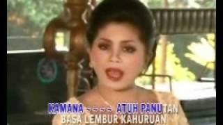 getlinkyoutube.com-Mang Koko - Reumis Beureum dina Eurih - Mae Nurhayati