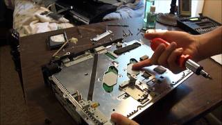 getlinkyoutube.com-PlayStation 3 Disassembly (Original 60 GB PS3)