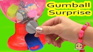 getlinkyoutube.com-Random Blind Bags Filled Gumball Machine Toy Surprise Video Cookieswirlc