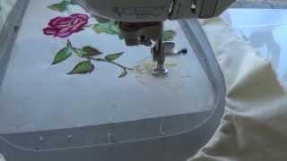 getlinkyoutube.com-Bordar a Maquina de coser brother innovis 1500