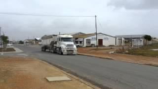 getlinkyoutube.com-Freightliner columbia with loud pipe