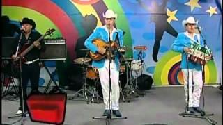 getlinkyoutube.com-Hermanos Vega Jr - ladiosa de piedra.avi(canal 2)