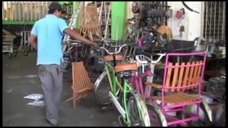 getlinkyoutube.com-Bicicletas modificadas y personalizadas ( REPORTAJE EL DEBATE) -CASORLA
