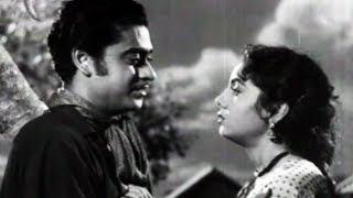 Kishore Kumar & Nimmi share some Romantic Talks - Bhai Bhai, Romantic Scene 9/15 width=