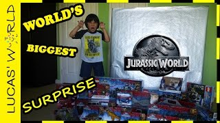 getlinkyoutube.com-World's Biggest Jurassic World Square Surprise Box with All New Jurassic World Toys & GIVEAWAY