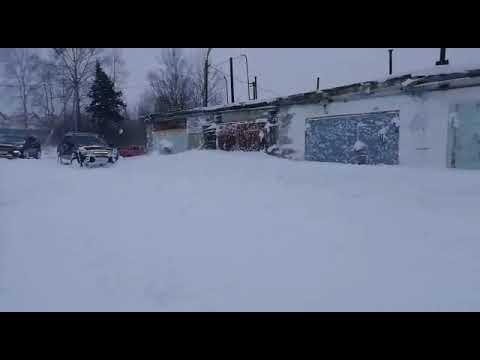 Первый снег Derways Aurora и Hyundai Santa Fe