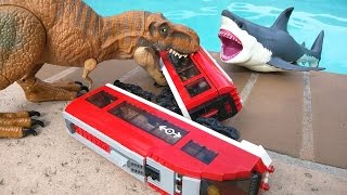 getlinkyoutube.com-T Rex attacks Lego city train