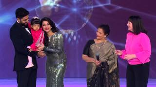 getlinkyoutube.com-Miss World 2014 : Lifetime Beauty with a Purpose Award - Aishwarya Rai Bachchan
