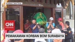 Isak Tangis Warnai Pemakaman Satpam Gereja Korban Bom Surabaya