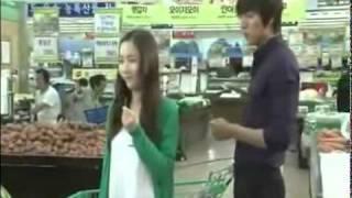 getlinkyoutube.com-CUTE CITY HUNTER BTS Grocery Store Scene+ Minho Pushing Minyoung in Shopping Cart