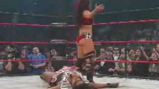 getlinkyoutube.com-tARA(ex diva victoria wwe) vs Awesome kong