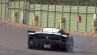 getlinkyoutube.com-***Ferrari FXX EVO 860bhp...DONUTS!!***