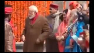 Watch : PM Modi's visit to Kedarnath, PM ने करीब आधे घंटे तक की भगवान शिव की पूजा-अर्चना