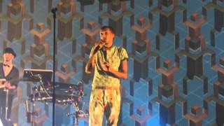 Papaoutai and Credits - Stromae Concert MSG 2015