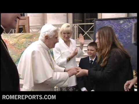 Pope greets Hawaiian children