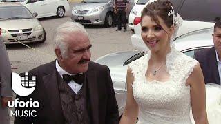 getlinkyoutube.com-Vicente Fernández entregó a su única hija en el altar