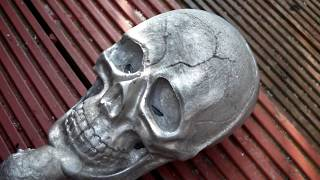 getlinkyoutube.com-Aluminum Skull Casting (removing core tin can)