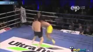 getlinkyoutube.com-Milli bokscumuza pis türk diyince dayağı yedi