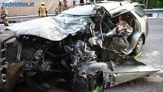 Pkw-Fahrer bei Kollision mit Reisebus getötet