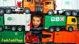 getlinkyoutube.com-Bruder Recycling Truck Surprise Toy Unboxing - Garbage Truck Videos for Children