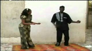 getlinkyoutube.com-Toully en classe pour un cours de danse 'Obama' - SANEKH