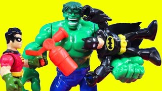 getlinkyoutube.com-Hulk Is Controlled With Scarecrows Neurotoxin To Destroy Imaginext Batman & Robin Batcave Joker