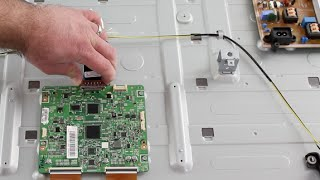getlinkyoutube.com-Samsung LED TV Repair - T-Con Board Replacement - No Picture on Screen, Image Fades to Black UN60