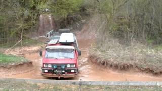 getlinkyoutube.com-VW T3 Syncro and VW T5 Rockton down steep mud hill Mammutpark 2011