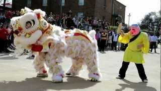 getlinkyoutube.com-Tet 2013 - Lion Dance After 10 AM Mass