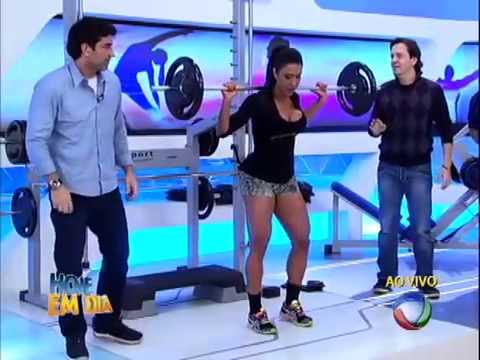 Hoje em Dia  Gracyanne Barbosa Mostra sua Forca na Musculacao