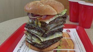 getlinkyoutube.com-Wendy's T-Rex Burger Challenge Destroyed in under 4 Minutes! (3,010 Calories)