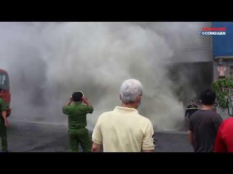Đám cháy bùng phát trở lại, cư dân chung cư Carina lại một phen hoảng loạn