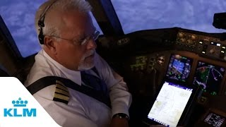 getlinkyoutube.com-KLM Cockpit Tales: Part 8 - Fly through the mountains