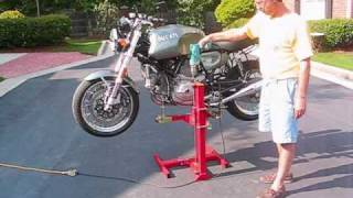 getlinkyoutube.com-Eazy Rizer motorcycle lift from Lifts-and-Stands.com