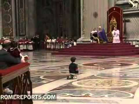 Child nears Pope during prayer vigil for the unborn
