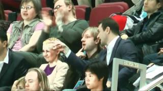 Plushenko аплодирует Бриану ЖУБЕРУ ПП. ЧМ -2011