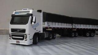 getlinkyoutube.com-Miniatura Volvo FH 420 BITREM - Réplica em Madeira - Vídeo 6