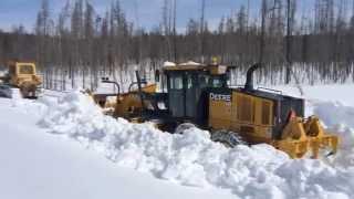 getlinkyoutube.com-Yellowstone Park Snow Plowing