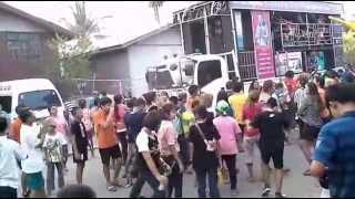 getlinkyoutube.com-ชายกลาง มิวสิค - แสดงสดระเบิดความมันส์ บ้านหนองแสง ต.ปะเคียบ อ.คููเมือง
