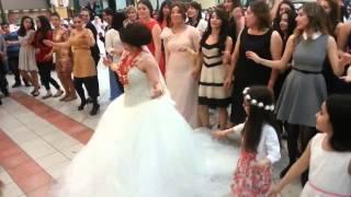 getlinkyoutube.com-سوف أتزوج وأرقص هذه الرقصة وسوف تندمون هههه طرائف من العالم