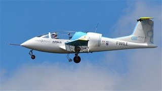 getlinkyoutube.com-Airbus' First Electric Plane Crosses English Channel