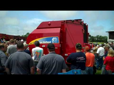 NH BR7070 Baler Sold on Wisconsin Auction Today