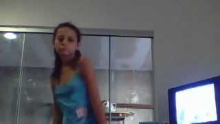 leticia dançando dmais