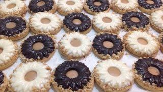 getlinkyoutube.com-حلوة الصابلي بالشكلاط و كاوكاو سهلة وسريعة التحضير  Sablés au arachide et Chocolat